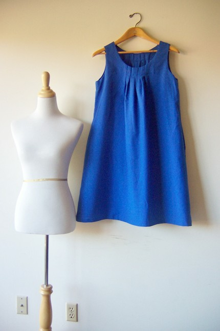 Cobalt blue tent dress available from leasvintage.