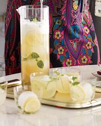 Ginger Shandie: Hoegaarden beer, ginger beer, & lemon