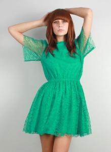 This dress looks like a dress for a doll. I like it.